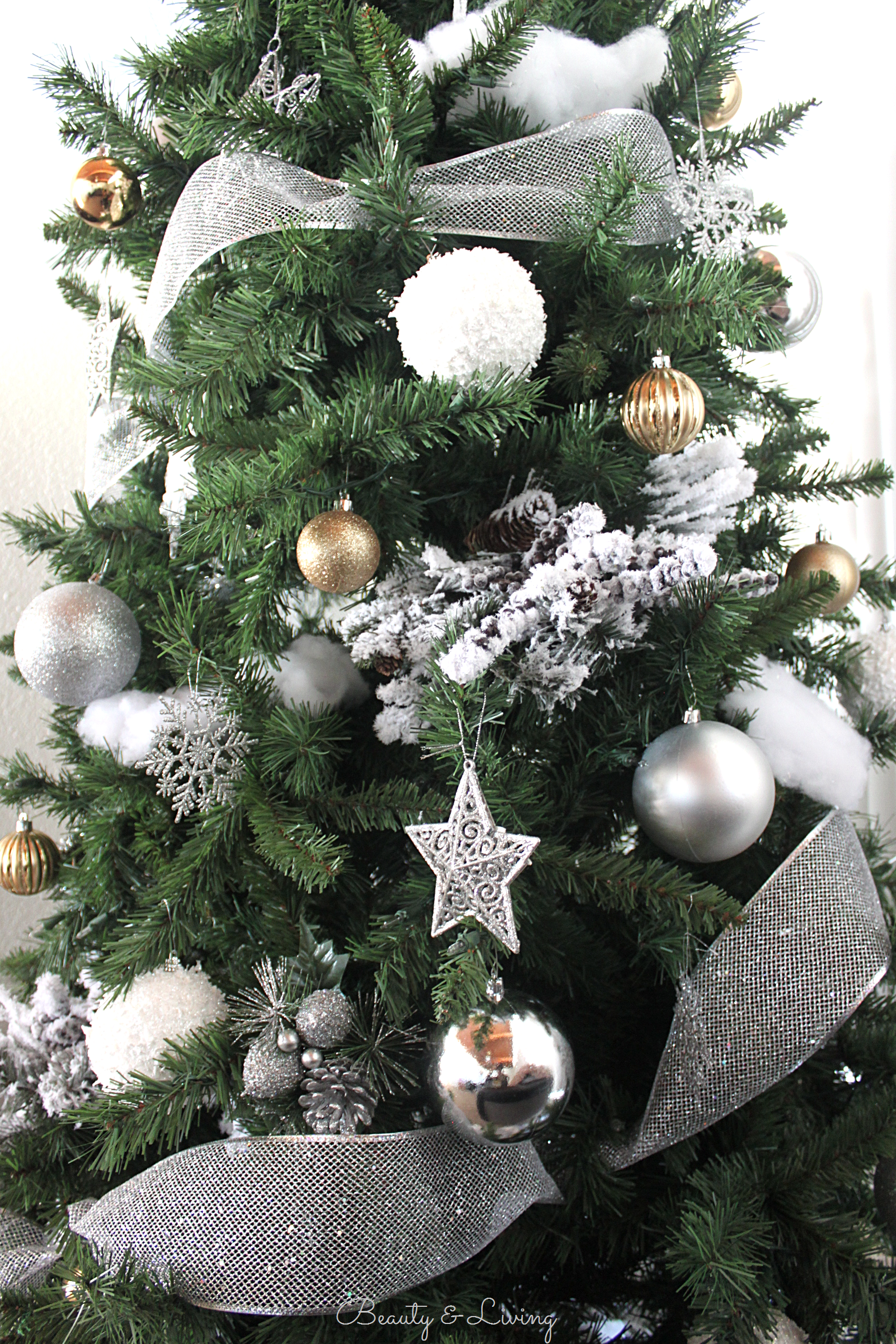 Why do we decorate our houses at christmas - The Theme Is So Magical Yet So Neutral And We Already Had So Many Things To Use From Our Previous Christmases Together Silver Gold And Of Course White
